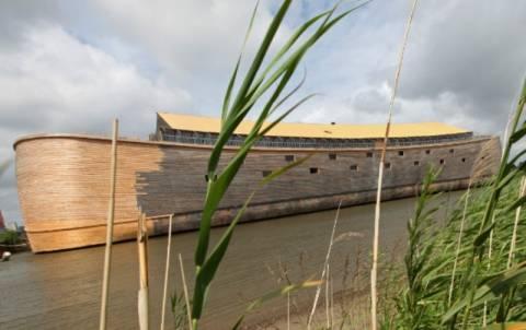 Ολλανδός έχτισε την Κιβωτό του Νώε, μετά από όνειρο
