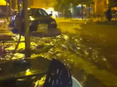 Κοζάνη: Απίστευτη καλοκαιρινή βροχή «έπνιξε» την πόλη (vid)