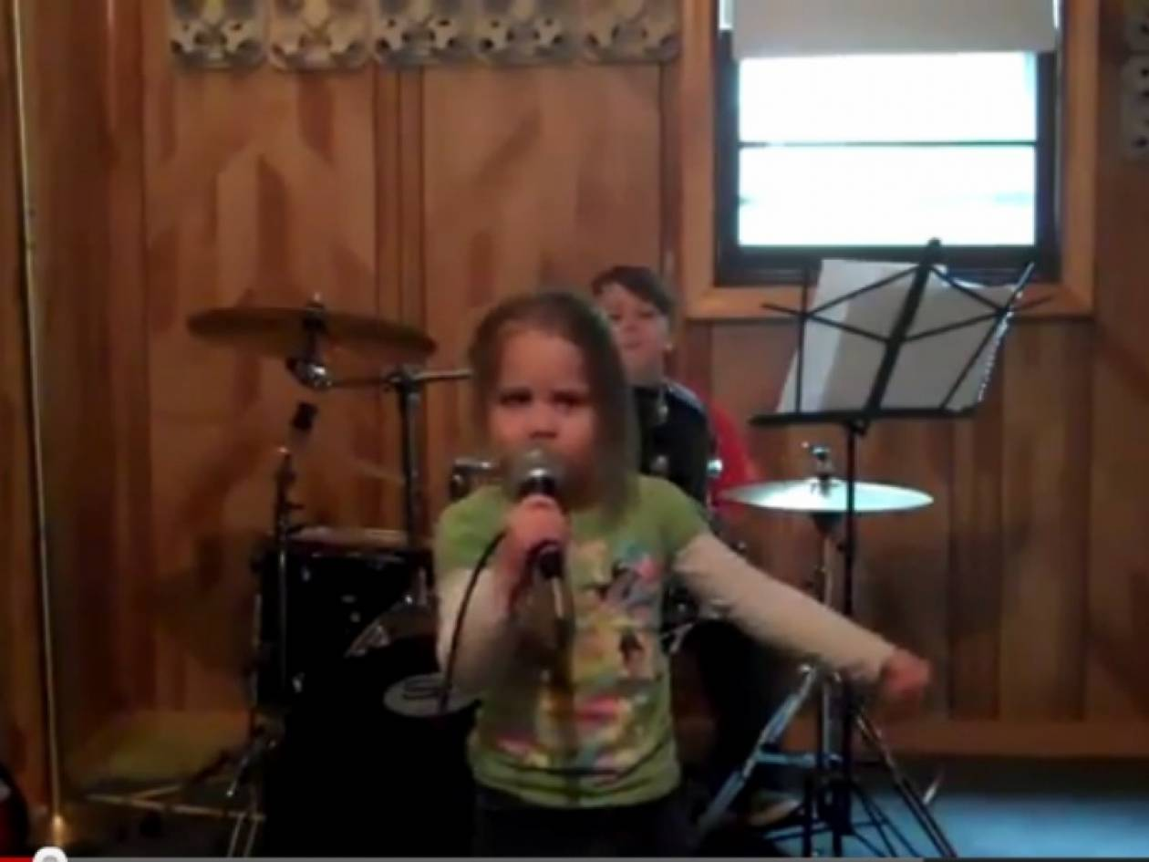 Τα τρίχρονα που τρελαίνονται για heavy metal! (vid)