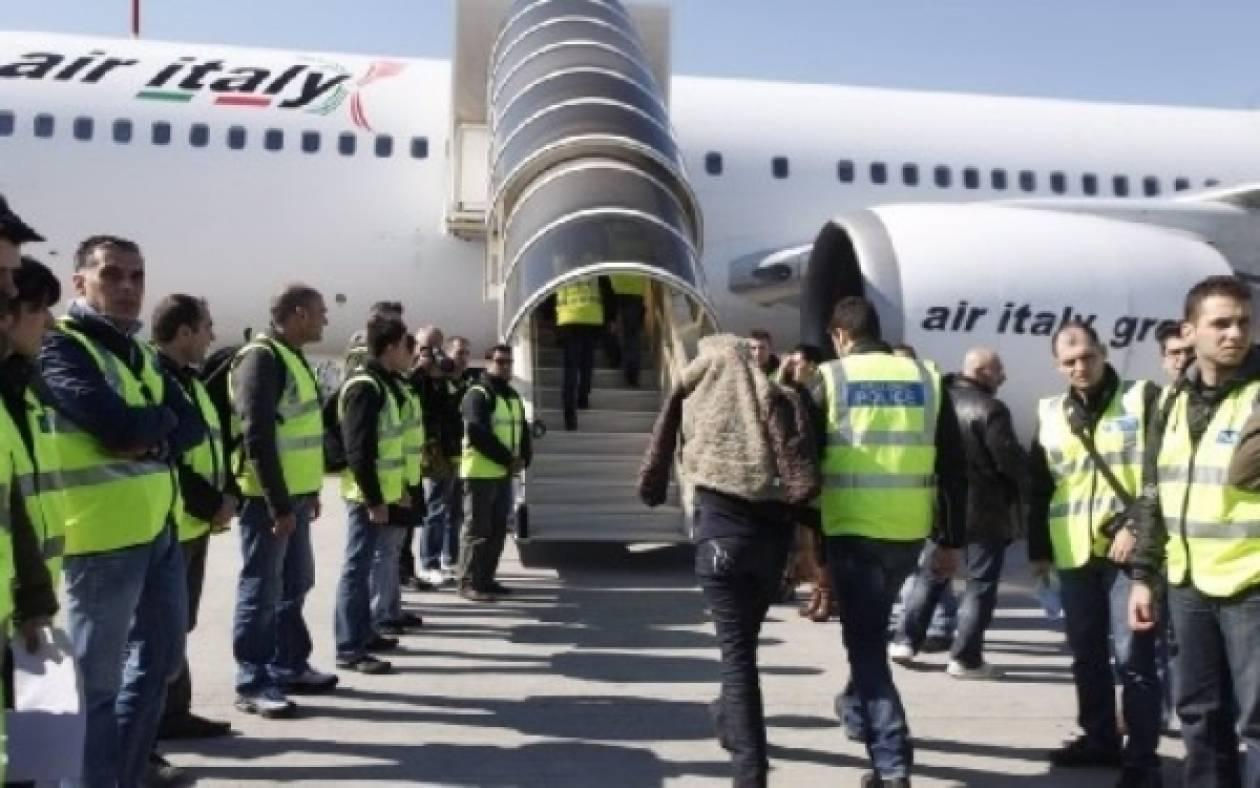 Απελάθηκαν άλλοι 815 αλλοδαποί