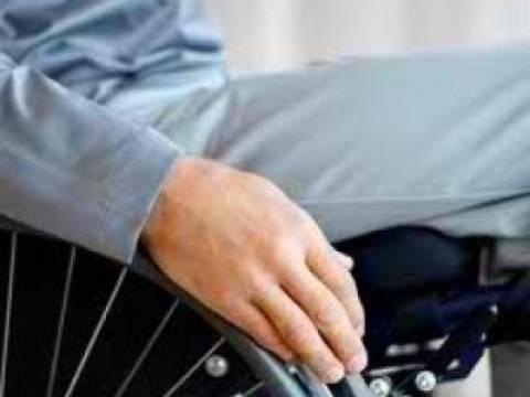 ΑΠΙΣΤΕΥΤΟ: Οδηγός κατέβασε ανάπηρο από το λεωφορείο. Διαβάστε γιατί...