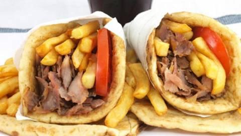 Δεκάδες κιλά ακατάλληλα τρόφιμα σε ψητοπωλείο στη Μακύνεια