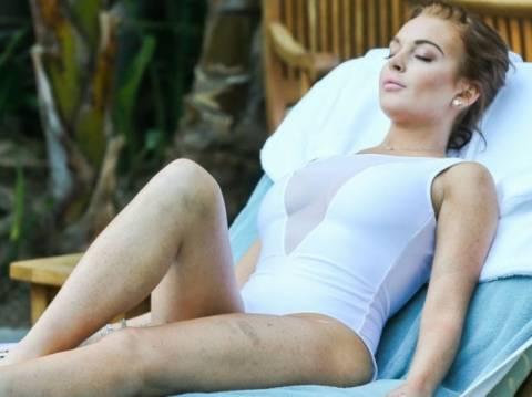 Η Lindsay Lohan με το πιο αποκαλυπτικό μαγιό ever!