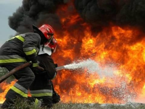 Μαίνεται η φωτιά στη Μεγαλόπολη