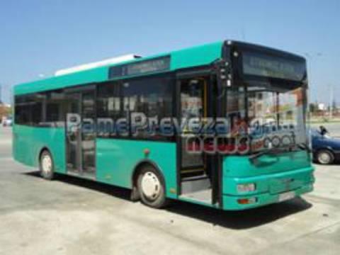 Πρέβεζα: Κλαδί έπεσε πάνω σε αστικό λεωφορείο