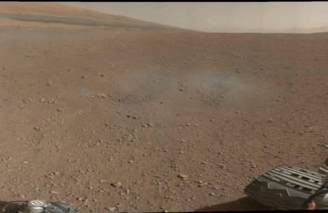 Curiosity: Το πρώτο έγχρωμο στιγμιότυπο από τον Άρη