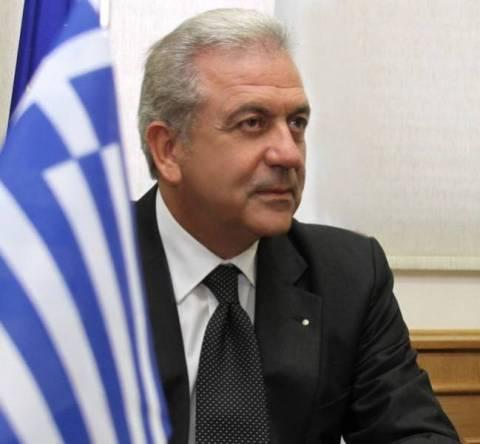 Αβραμόπουλος: Ζητούμε τη βοήθεια της Μεγαλόχαρης