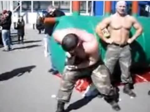 Βίντεο: Μην πέσεις στα χέρια του...