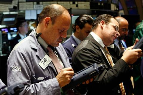 Συνεχίστηκαν οι μεικτές τάσεις στη Wall Street