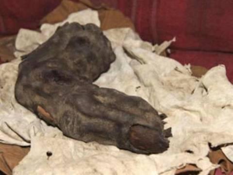 Γιγαντιαίο δάχτυλο ανακαλύφθηκε στην Αίγυπτο