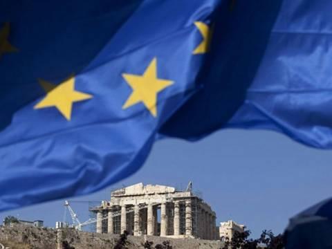 Παραμονή της Ελλάδας στην Ευρωζώνη βλέπουν οι αναλυτές