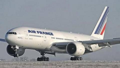 Η Air France ζήτησε από τους επιβάτες δανεικά για να βάλει καύσιμα