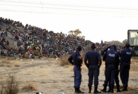 Ν. Αφρική: Νεκροί στις συγκρούσεις στο ορυχείο λευκόχρυσου