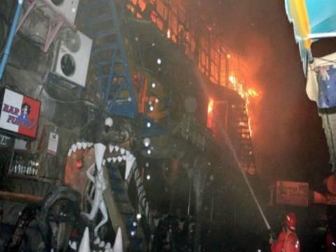 4 νεκροί από φωτιά σε μπαρ