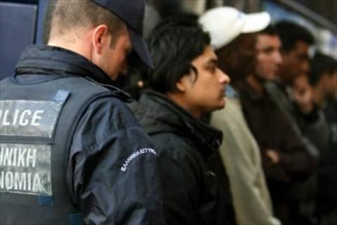 Συλλήψεις παράνομων μεταναστών σε Πάτρα - Ηγουμενίτσα
