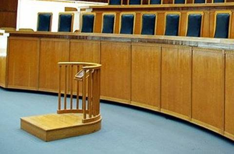 Προσωρινά κρατούμενος ο δράστης που κατηγορείται για εμπρησμό στη Ρόδο