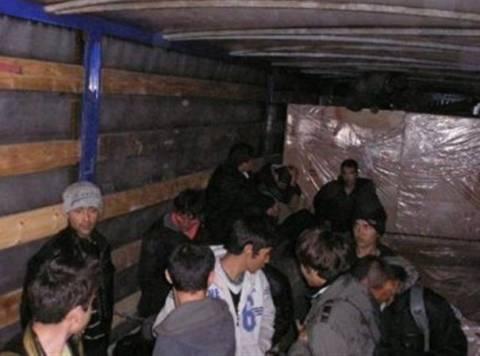 Εξαρθρώθηκε  σπείρα διακίνησης παράνομων μεταναστών