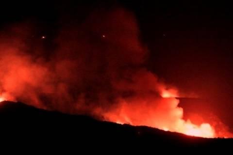 Καίγεται η Ζάκυνθος σε κέντρο, Bορρά και Νότο
