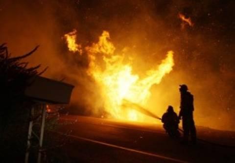 Υπό μερικό έλεγχο οι πυρκαγιές σε Καπανδρίτι και Αγρίνιο