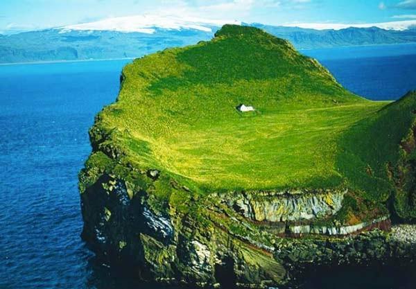 Αυτό είναι το πιο μοναχικό σπίτι του πλανήτη! (pics)