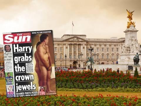 Το πρωτοσέλιδο της Sun με τον γυμνό πρίγκιπα Χάρι