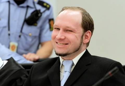 Νορβηγία: Δεν θα ασκήσει έφεση κατά της καταδίκης του ο Μπράιβικ