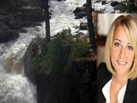 Τραγικό: Ελληνίδα πνίγηκε σε ποτάμι από το βάρος του νυφικού της