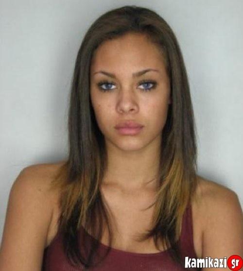 Κι όμως αυτή η κοπέλα δεν είναι τόσο αθώα όσο φαίνεται! (pics)