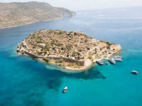 Κρήτη: Αισχροκέρδεια με φόντο τη Σπιναλόγκα!