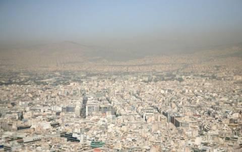 Αποπνιχτική η ατμόσφαιρα - Μικρές υπερβάσεις στις τιμές του όζοντος
