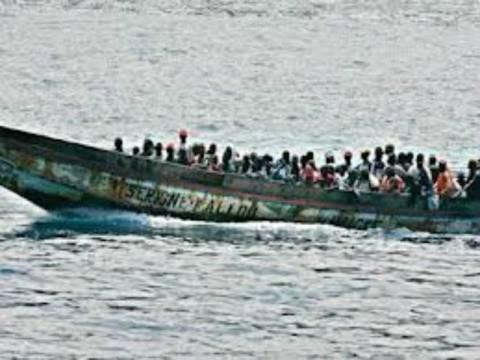 Σαράντα μετανάστες πνίγηκαν σε ναυάγιο