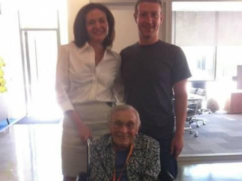 Γιαγιά 101 ετών είναι η γηραιότερη χρήστης του Facebook