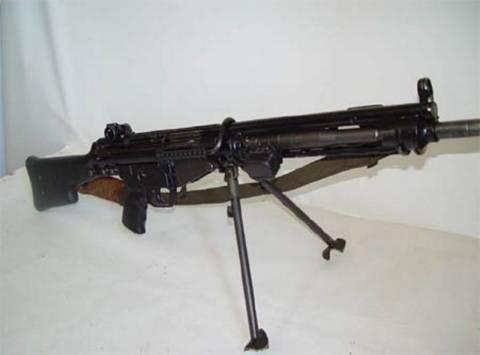 Βρέθηκε οπλοπολυβόλο σε σχολείο στον Βύρωνα!