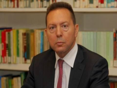 Στουρνάρας: Προέχει η σωτηρία των τραπεζών και όχι των τραπεζιτών