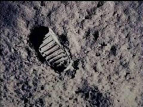 ΔΕΙΤΕ: Αν ο πρώτος άνθρωπος στη Σελήνη ήταν Έλληνας!