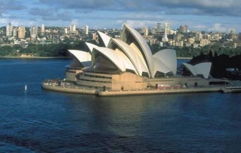 «Θα βοηθήσουμε τους Έλληνες να έρθουν για δουλειά στην Αυστραλία»