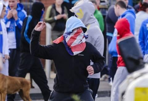 Ιρλανδία: Βίαιες συγκρούσεις Καθολικών και Προτεσταντών