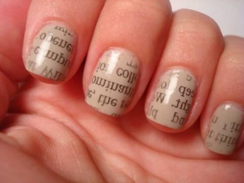 Πώς να τυπώσεις μια εφημερίδα στα νύχια σου!
