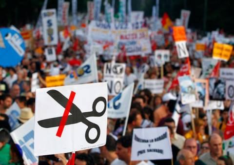 Νέα σκληρότερα μέτρα λιτότητας βλέπει ο ισπανικός Τύπος