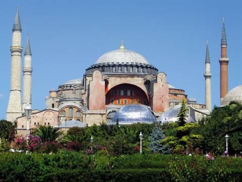 Τι ψάχνουν να βρουν οι Tούρκοι στα έγκατα της Αγιάς Σοφιάς;