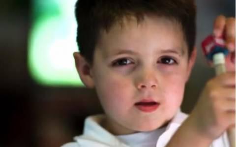 Βίντεο: Πεντάχρονος μπιλιαρδόρος!