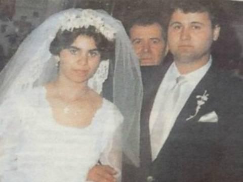 ΔΕΙΤΕ: Φωτογραφίες από το γάμο και τον… βίο της παπαδιάς