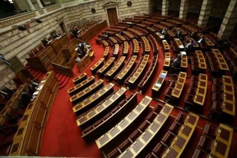 Κατατέθηκε η τροπολογία για τους μετακλητούς