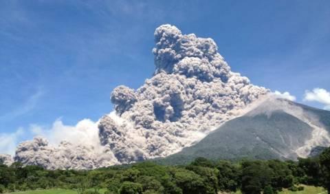 Βίντεο:Συναγερμός από την έκρηξη του ηφαιστείου Φουέγκο στη Γουατεμάλα