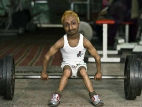 Πέθανε ο μικρότερος bodybuilder του κόσμου