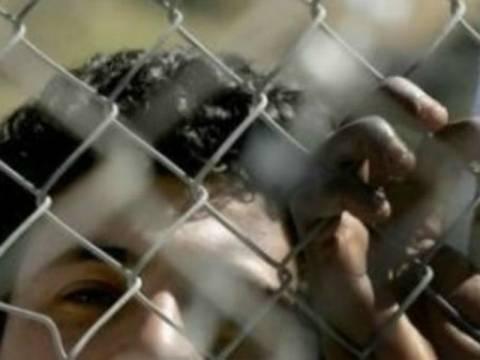 Κέντρα παράνομων μεταναστών σε Χίο, Λέσβο, Σάμο και Ρόδο