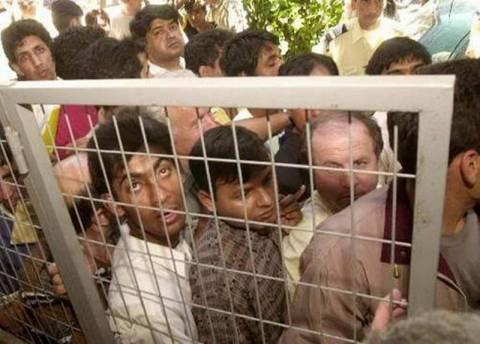 Μεταφέρθηκαν στη Σάμο οι μετανάστες που κρατούνταν στο Αγαθονήσι