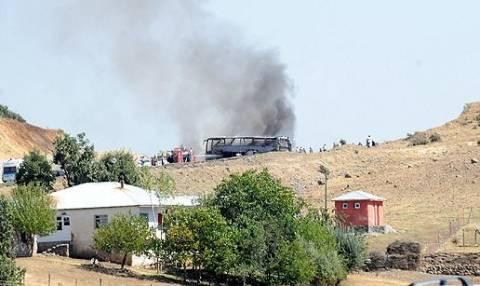 Τουρκία: Επίθεση με ρουκέτα έσπειρε το θάνατο σε στρατιωτική φάλαγγα