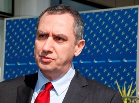 Μιχελάκης: Να παραδώσει την έδρα του ο Γ. Παπανδρέου