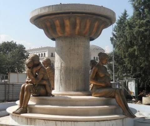 Πρόκληση! Aγαλμα της μητέρας του Μ. Αλεξάνδρου στα Σκόπια